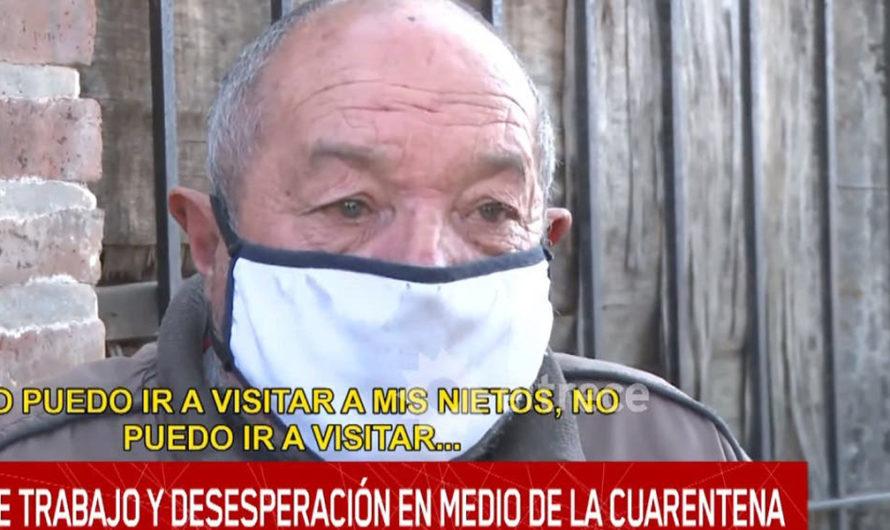"""Un abuelo se quebró ante la desesperación por la cuarentena: """"Se nos está yendo la vida"""""""
