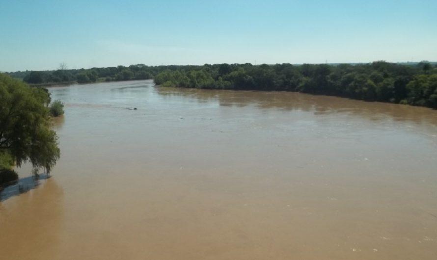"""Cruzó el río Bermejo para cobrar el bono de Anses: """"Lo necesitaba mucho"""""""
