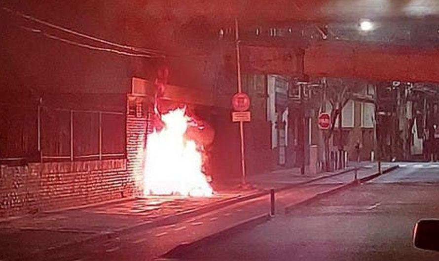 Inhumanos prendieron fuego a una mujer en situación de calle: murió carbonizada