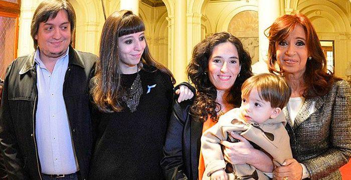 La ex de Máximo Kirchner presentó a su novia en la redes