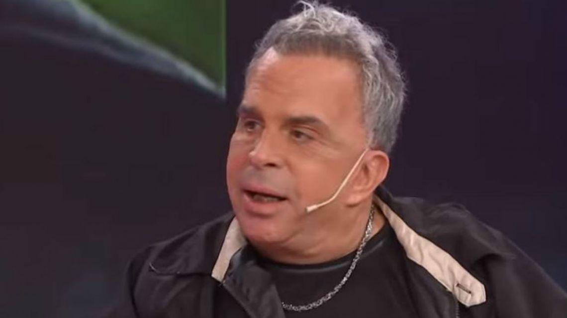 Casi matan a patadas al conocido estilista Rubén Orlando: Mirá el video