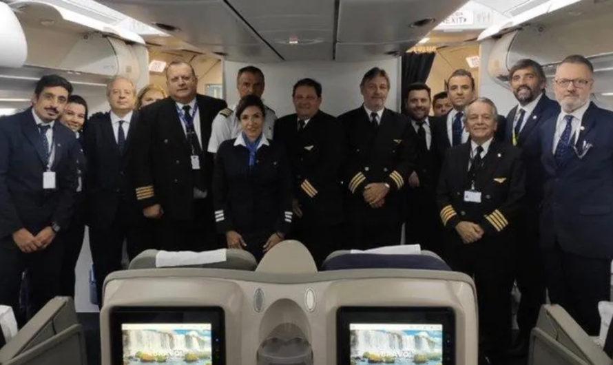 VIDEO: El emotivo mensaje del piloto de Aerolíneas que repatrió argentinos