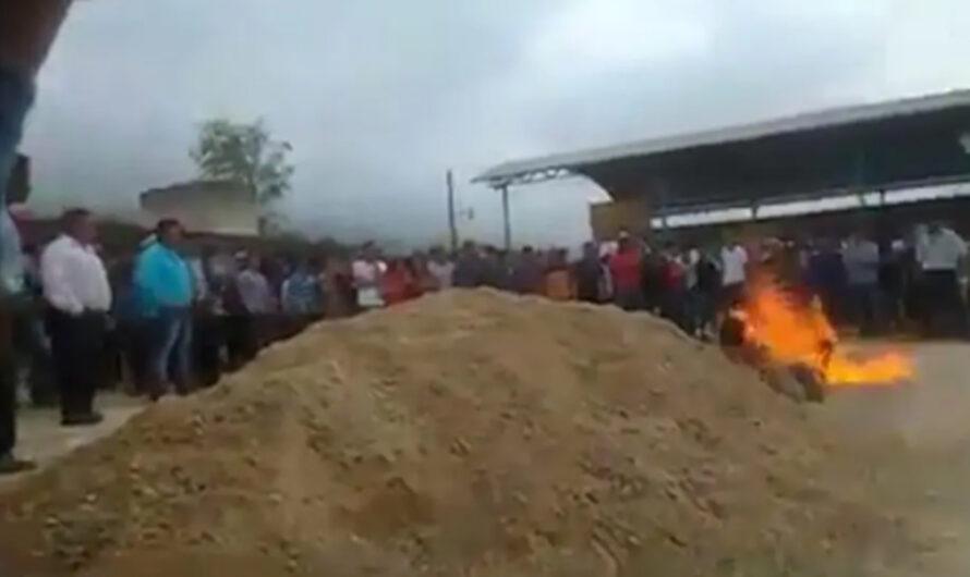 México: Ante una multitud, prendieron fuego a dos presos