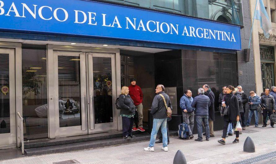 Los bancos abrirán el viernes solo para atender a jubilados y beneficiarios de AUH