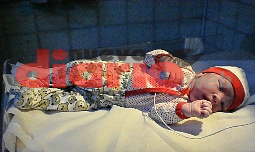 [LA MEJOR NOTICIA] Con más de 5 kilos y 51 centímetros, nació un «súper bebé» en Tintina