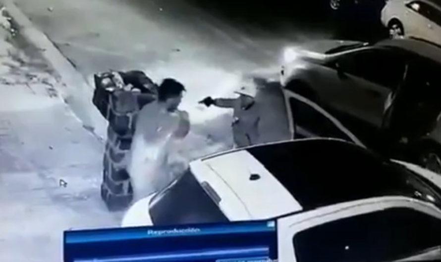 Le pegaron un tiro en el pecho a un comerciante para robarle y murió [VIDEO]