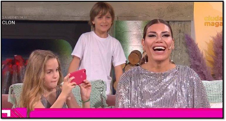 Florencia de la V recibió la visita de sus dos hijos en el programa: ¡están enormes!