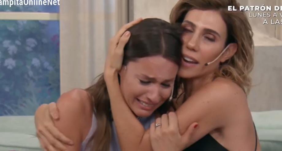 Pampita rompió en llanto en plena entrevista: «Esto es un papelón»