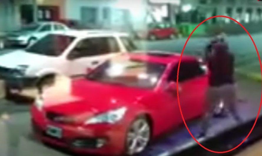 Video: encontró el auto de su ex en un lujo hotel y se lo destrozó a palazos