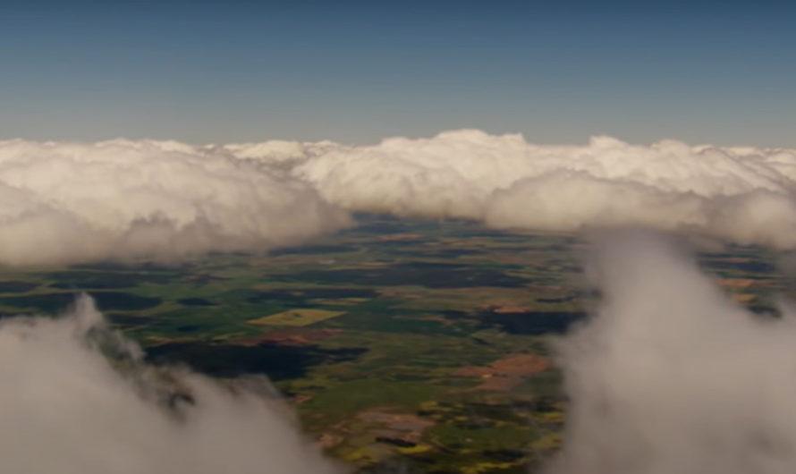 Creer o reventar: tres OVNI tomaron el control de una avioneta en pleno vuelo