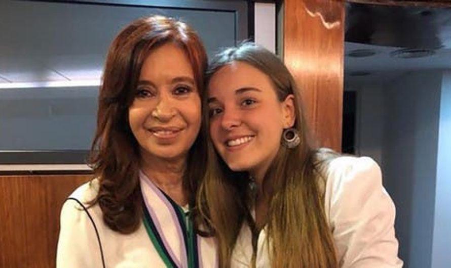 """El consejo de amor que le dio Cristina Kirchner a una joven que le dijo """"me gusta un macrista"""""""