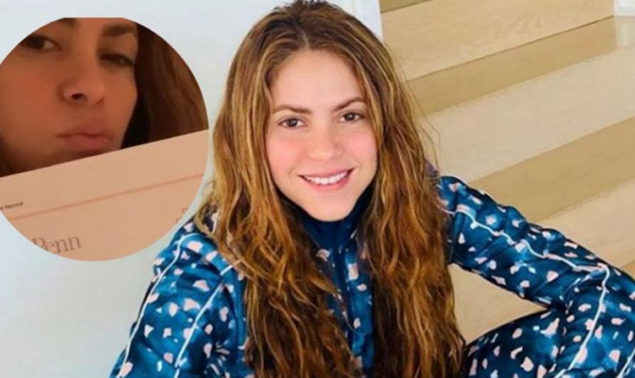 Shakira lo logró: se recibió de filósofa