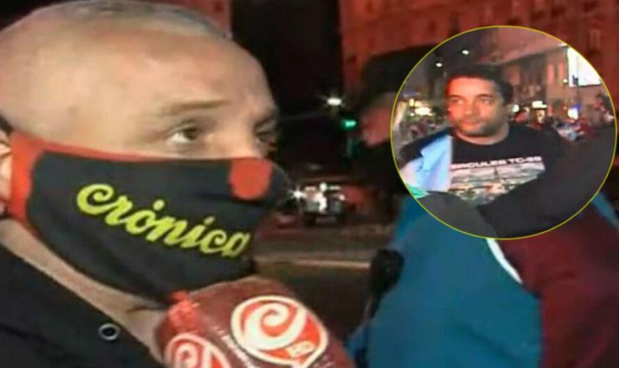 Atacaron a un móvil de Crónica en un banderazo en el Obelisco: «Vení, vos y yo, maricón» [VIDEO]