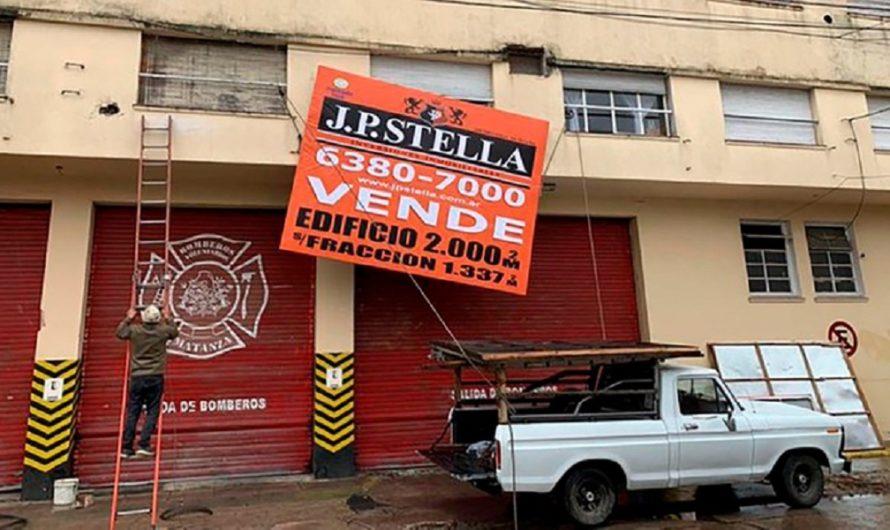 """""""Así sea en un predio prestado, vamos a seguir trabajando"""": el dolor de los bomberos tras poner en venta su cuartel [FOTOS]"""