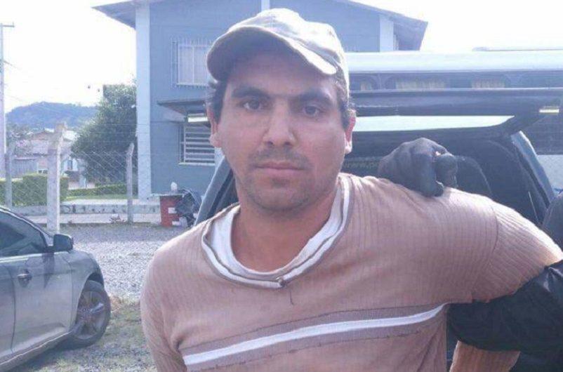 Video: buscó al femicida de su hermana, lo encontró escondido en el monte y casi lo mata a puñaladas