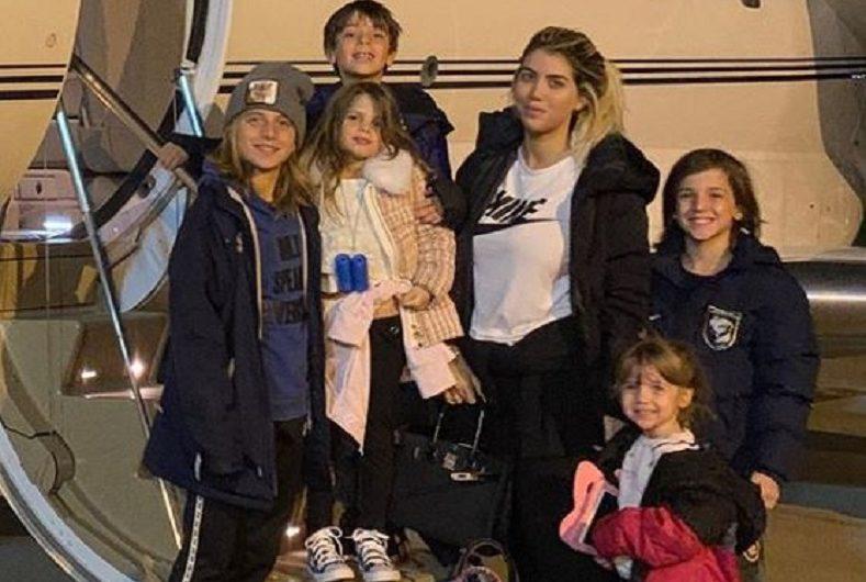 Por el coronavirus, Wanda Nara huyó de Italia con sus hijos [FOTO]