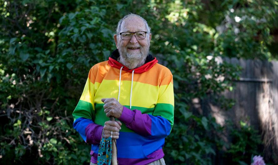 Abuelito de 90 años reunió a toda su familia y se declaró gay