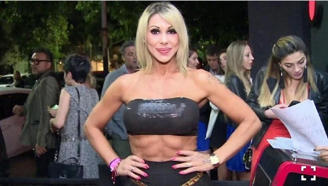 Polémica: ¿Los abdominales de Mónica Farro están operados? Mirá el video