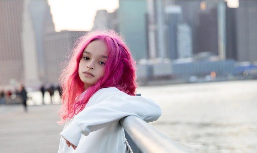 Con 14 años, la nieta de Luis Alberto Spinetta ya estudió en Nueva York y sueña con llegar a Broadway