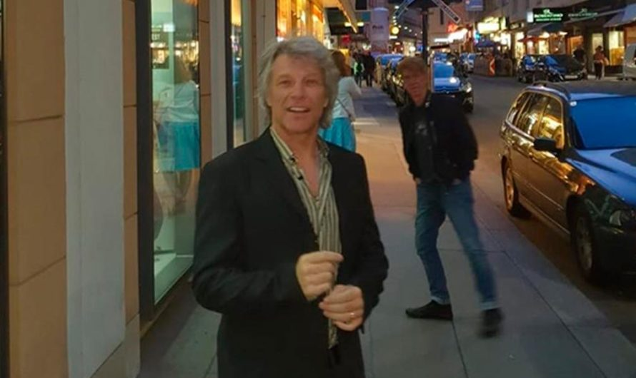 Bon Jovi se puso a lavar los platos en su restaurant solidario para ayudar durante la cuarentena