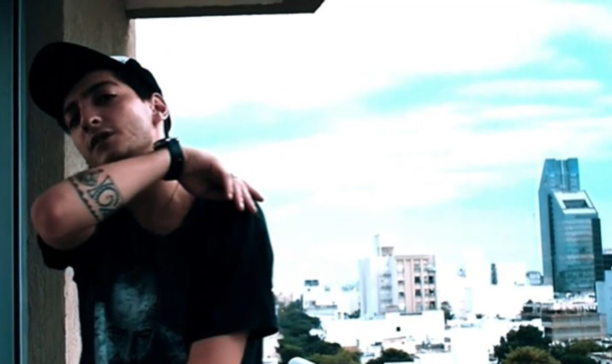 El trapero santiagueño «Skorial» difundió su nuevo videoclip