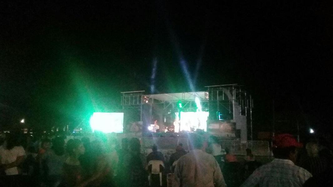 Imponente marco de público en la primera noche del Festival Tierra Viva de la ciudad de Beltrán